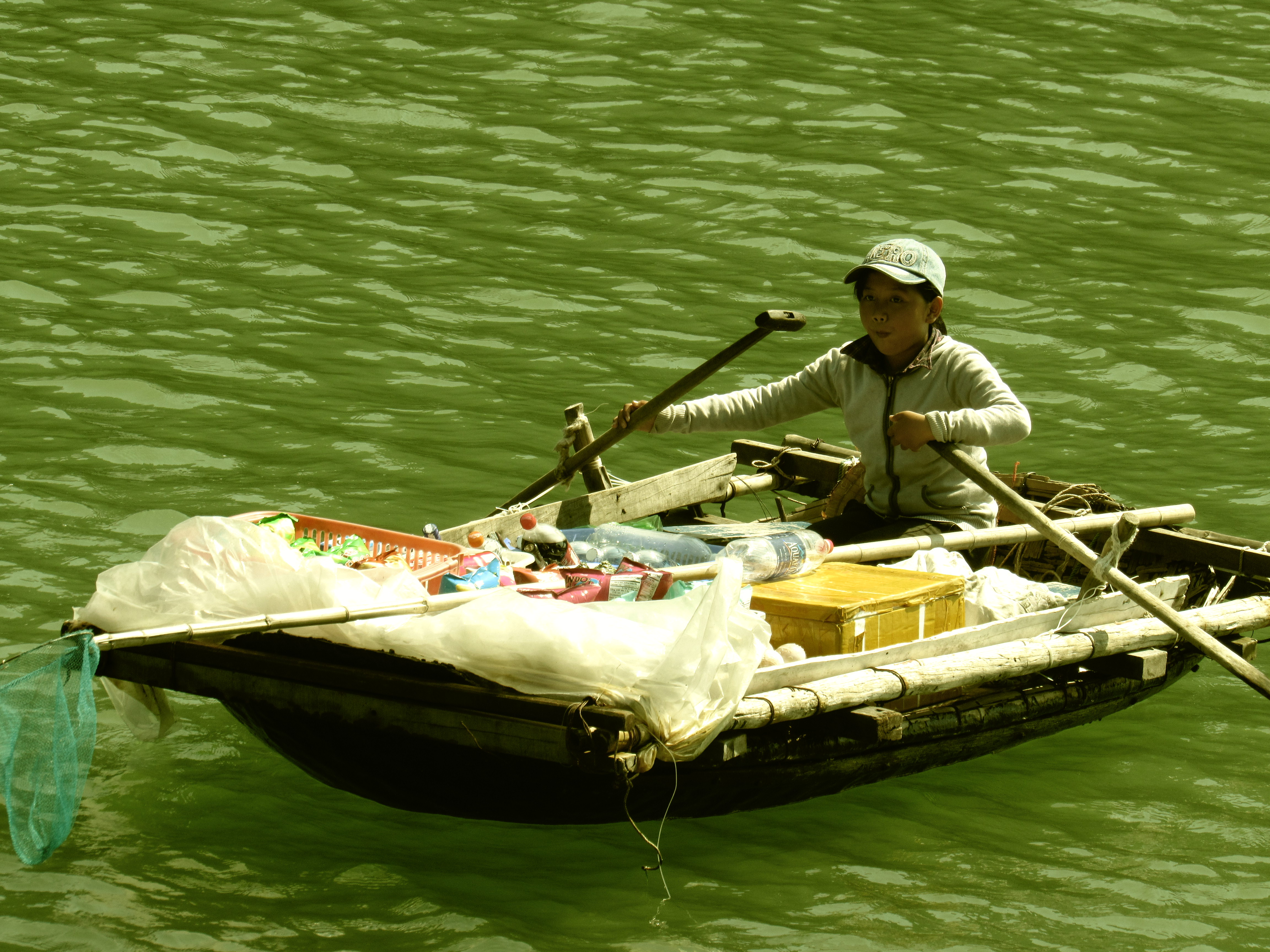 the lil' boat vendor